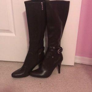 Marc Fisher New/unworn brown high heel boots sz 8m